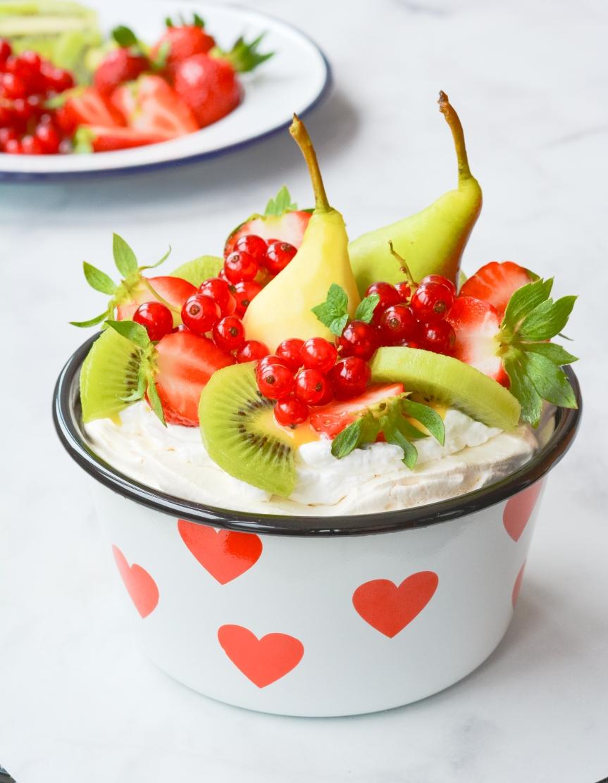 """Berry"" Pavlova"